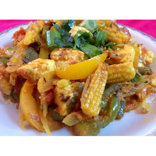 Chicken with Baby Corn & Green Pepper